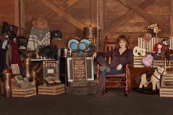 Reba McEntire and Cracker Barrel Old Country Store<sup>®</sup ...