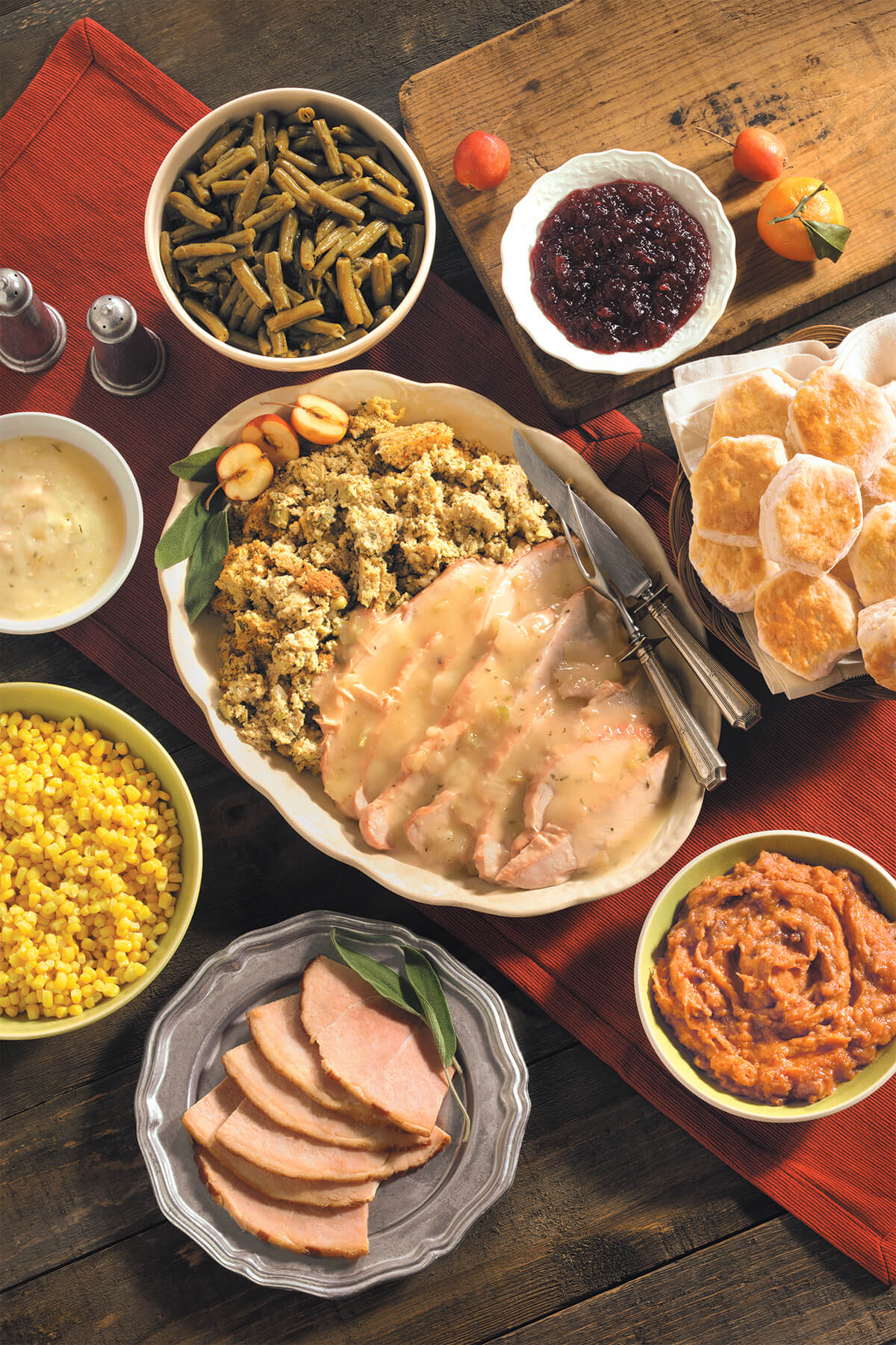 Cracker barrel to serve 1 4 million meals this for What to serve for thanksgiving lunch